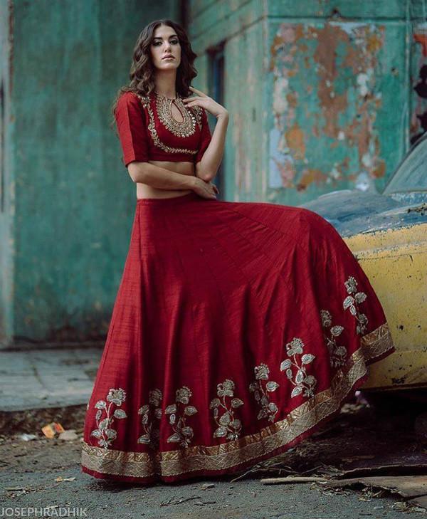 jayanti reddy, bridal lehenga, lehenga trends, red lehenga