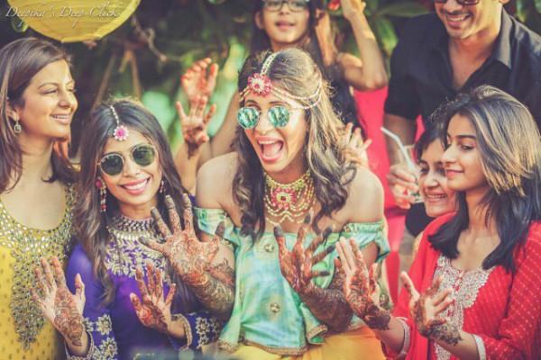 Bridesmaid photoshoot, mehendi ideas, Indian bride