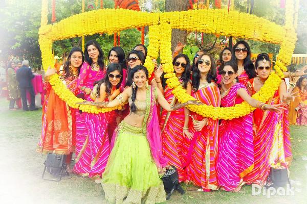 Bridesmaid photoshoot ideas, coordinated bridesmaid outfits, mehendi ideas, indian bride