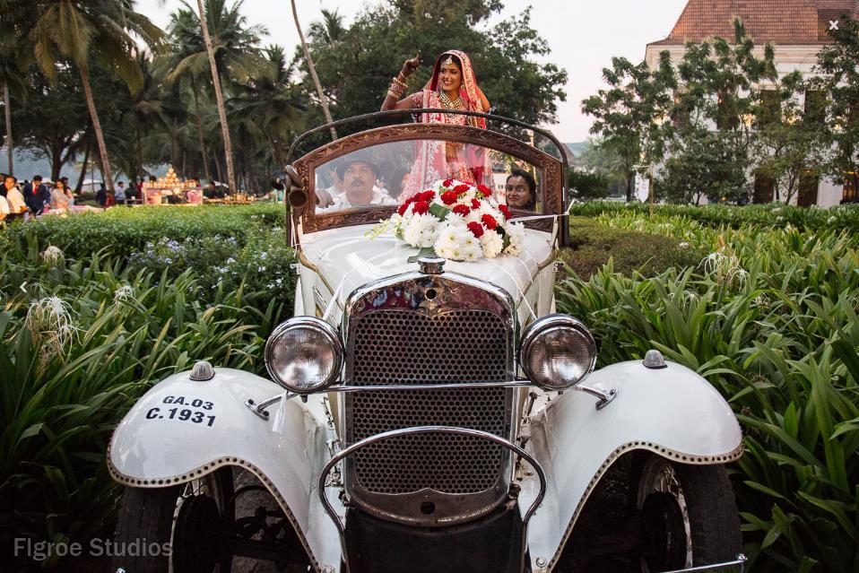 bride entry, bride entry in vintage car, Indian wedding