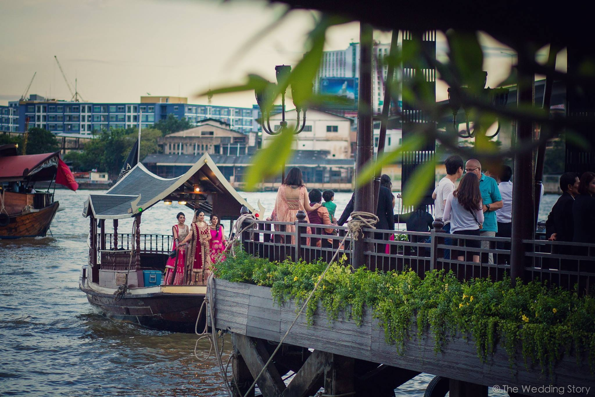 bride entry, bridal entry on boat, destination wedding ideas, bridal lehenga
