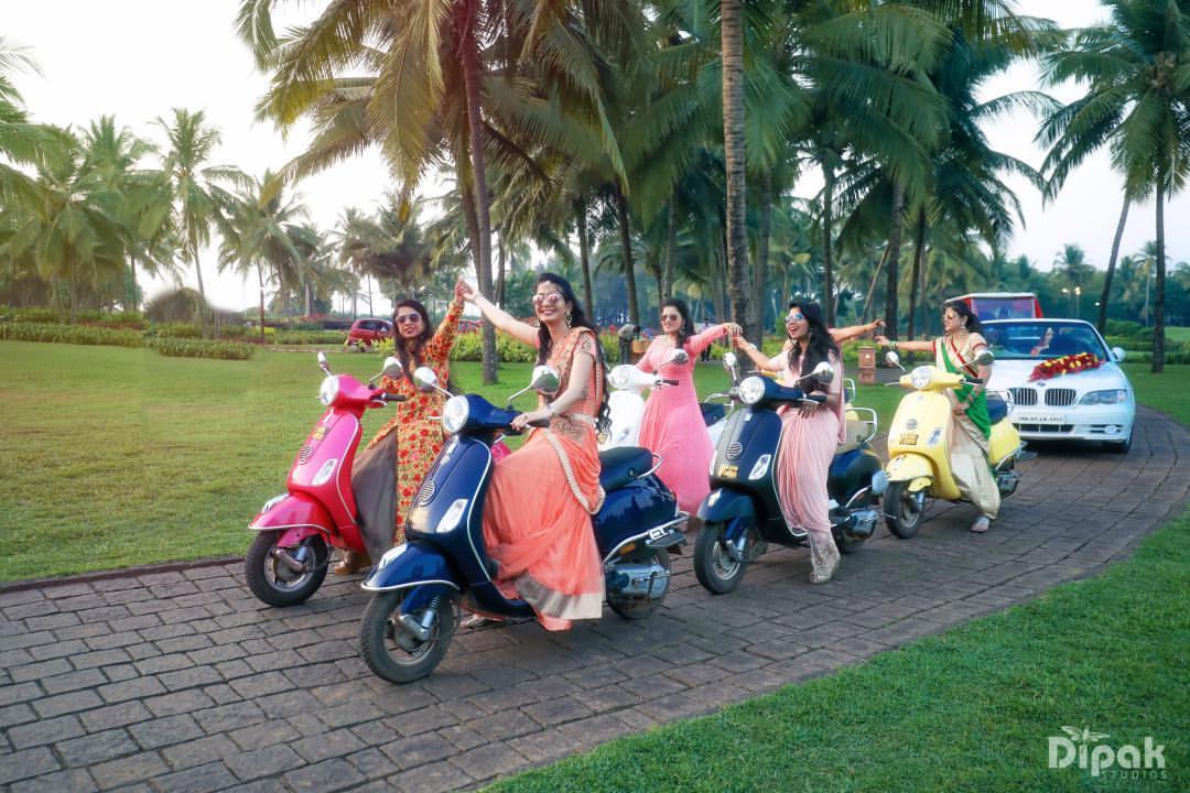 bridal entry, bridesmaid photoshoot ideas, bridal entry