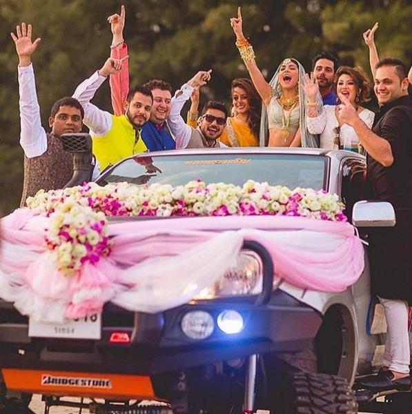 bridal entry, bride entry, bride entry with friends, bride entry in car