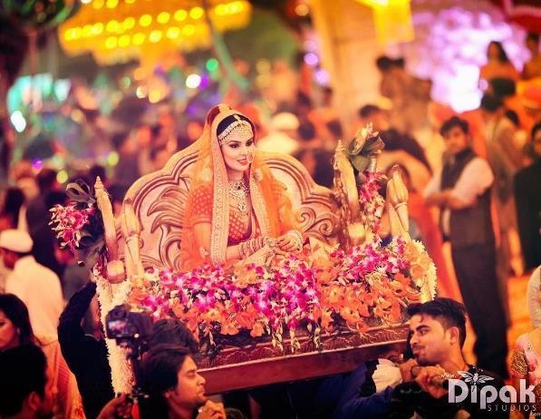 bride entry, bridal entry, bride entry on palki