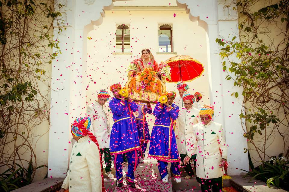 bridal entry ideas, bride entry, bride entry on palki