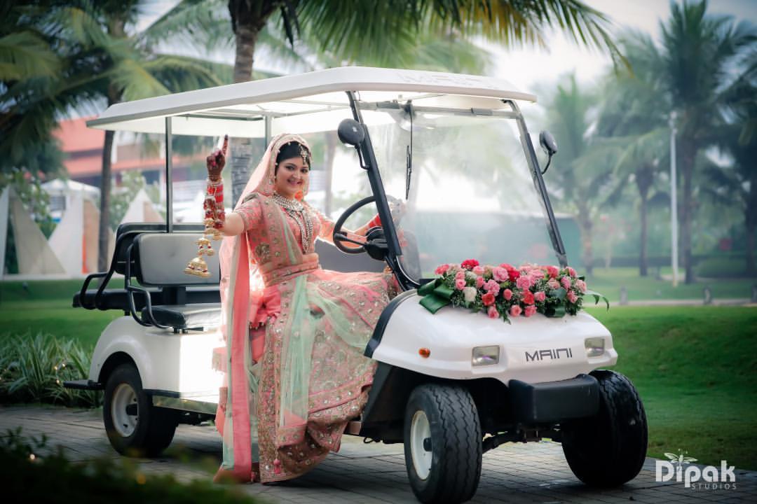 bridal entry, bride entry in golf kart, destination wedding