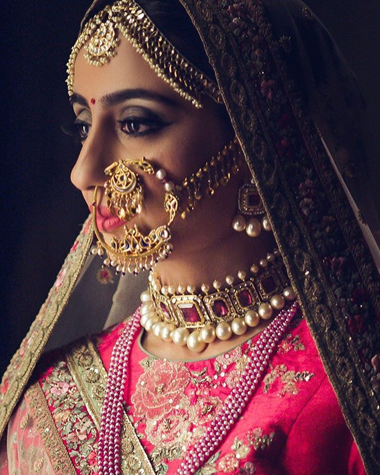 Real Brides Wearing The Most Gorgeous Naths At Their Wedding