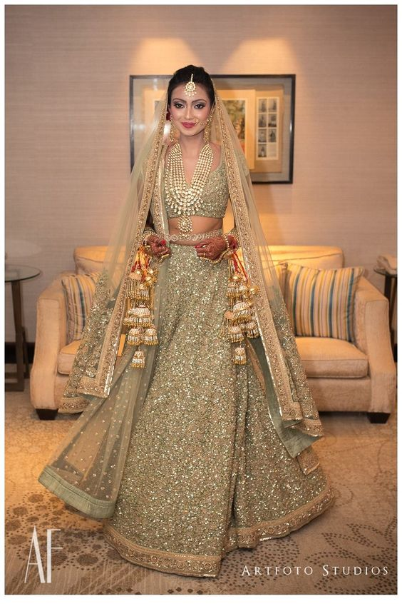 The Gold Sabyasachi Outfit Is Always A Clic Ashna Bride Shining In This Dess Like Ensemble