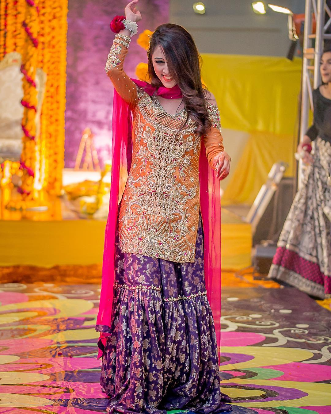 White Wedding Dress With Henna: Bridal Inspiration From Real Pakistani Brides!