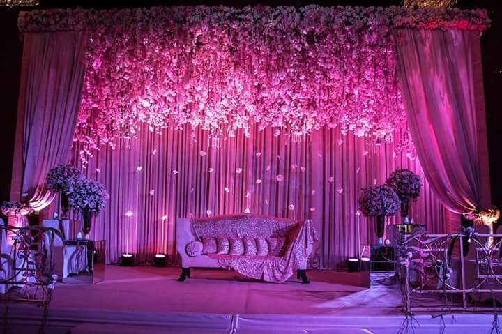 Trending 16 gorgeous stage decor ideas for your wedding reception image source fnp weddings on instagram junglespirit Image collections