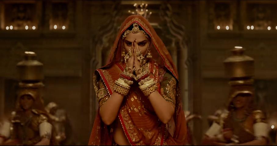 Decoding Deepika Padukone's 'Ghoomar' Look!