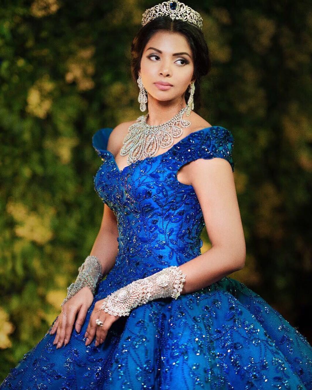 Bridal Makeup, Cinderella look, Bridal Gown, Diamond Jewellery