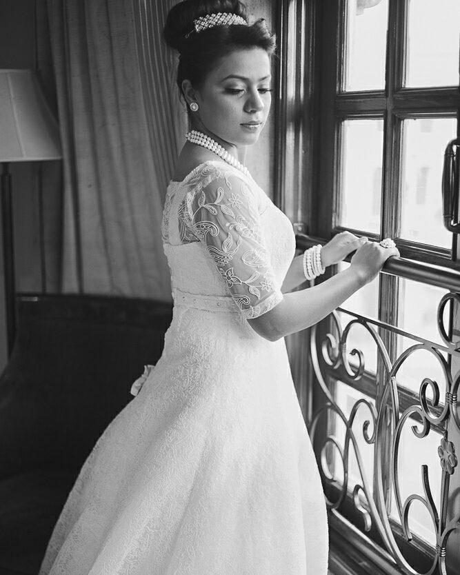 Christian Bride, Church Wedding, Bridal Bouquet, Bridal Veil, Christian Bride Gown , Asin Thottumkal, Rahul Sharma, Micromax