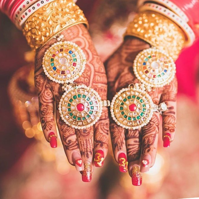 Bridal Hand Shots, Haath Phool, Chooda, Nail Art, Red Nails, Bridal Nails, Mehendi, Bridal Mehendi