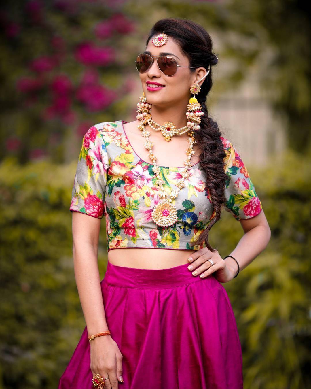 Bride, Mehendi outfit, Indian Bride