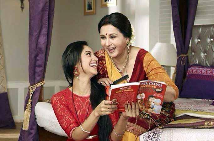 Mom In Law, Indian Weddings, Krystle Dsouza, Poonam Dhillon