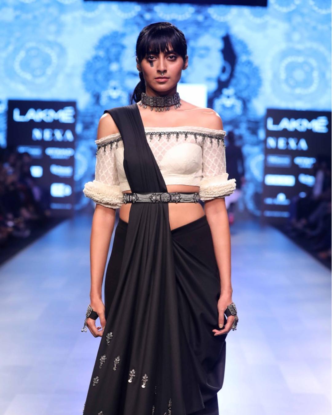 Lakme Fashion Week Summer Resort 2018, Lakme Fashion Week, Bridal Outfit, Shantanu & Nikhil