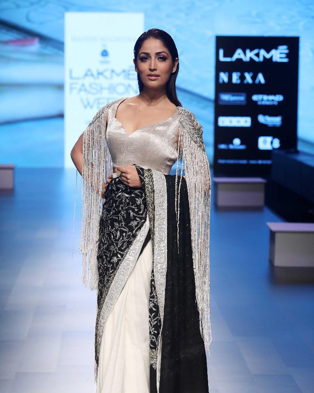 Lakme Fashion Week Summer Resort 2018, Lakme Fashion Week, Bridal Saree, Bollywood Fashion, Yami Gautam, Manish Malhotra