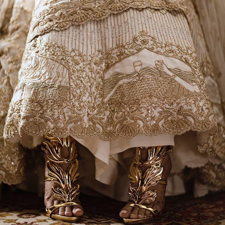 Bridal Lehenga, koecsh by Kresha Bajaj