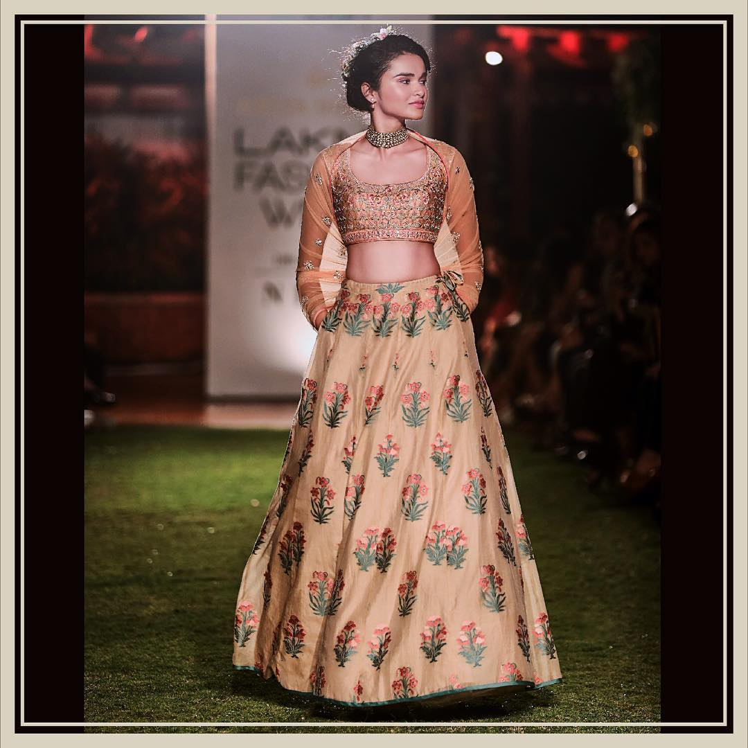 Lakme Fashion Week Summer Resort 2018, Lakme Fashion Week, Bridal Gown, Bollywood Fashion, Anita Dongre