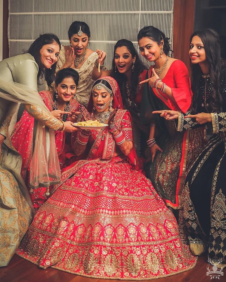 17 Powerful Women That Are Ruling The Indian Wedding Photography