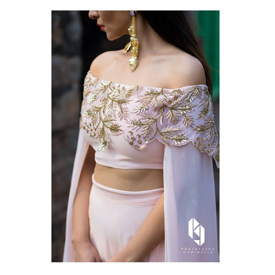 Bridal Blouse, Blouse Design, Bridal Blouse Design, Choli Design, Bridal Choli Design, Bridal Outfit, Bridal Fashion, Off Shoulder Blouse