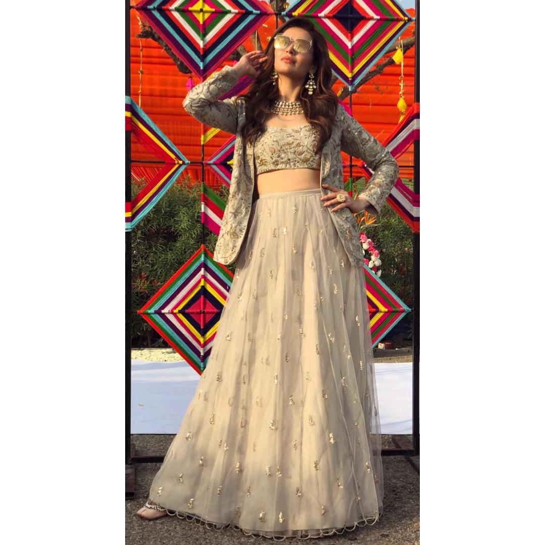 Bridal Blouse, Blouse Design, Bridal Blouse Design, Choli Design, Bridal Choli Design, Bridal Outfit, Bridal Fashion, Jacket Blouse, Karishma Tanna, Sayali Vidya, Payal Singhal