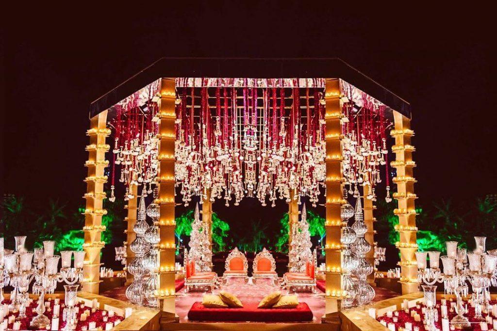 women wedding decorators