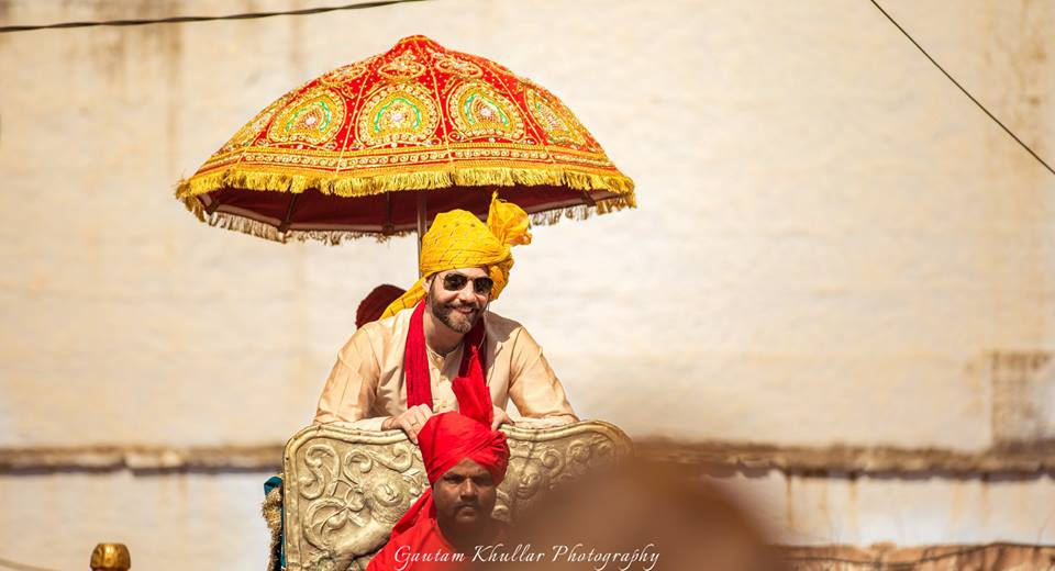 foreigner groom, Indian wedding, groom entry ideas