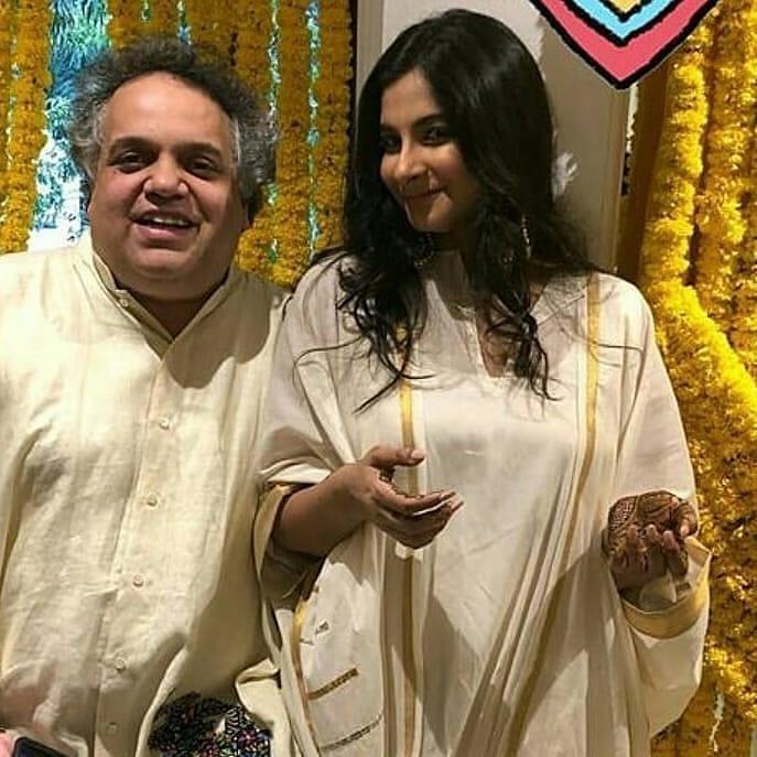sonam Kapoor, anand Ahuja, anand Ahuja sonam Kapoor mehendi, sandeep khosla, rhea kapoor