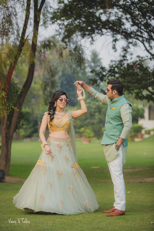 couple dance, twirl, mehendi photography