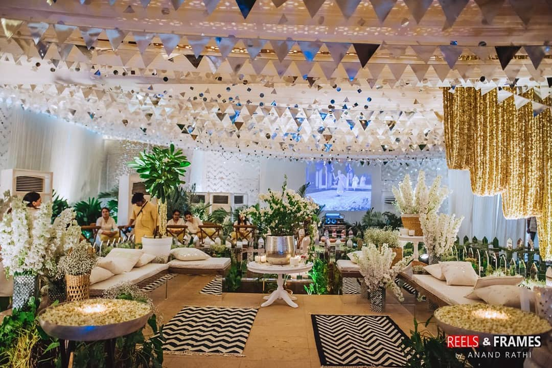 inspiration from Kapoor family weddings, sonam Kapoor anand Ahuja mehendi, mehendi décor, mehendi décor ideas, white and gold mehendi theme