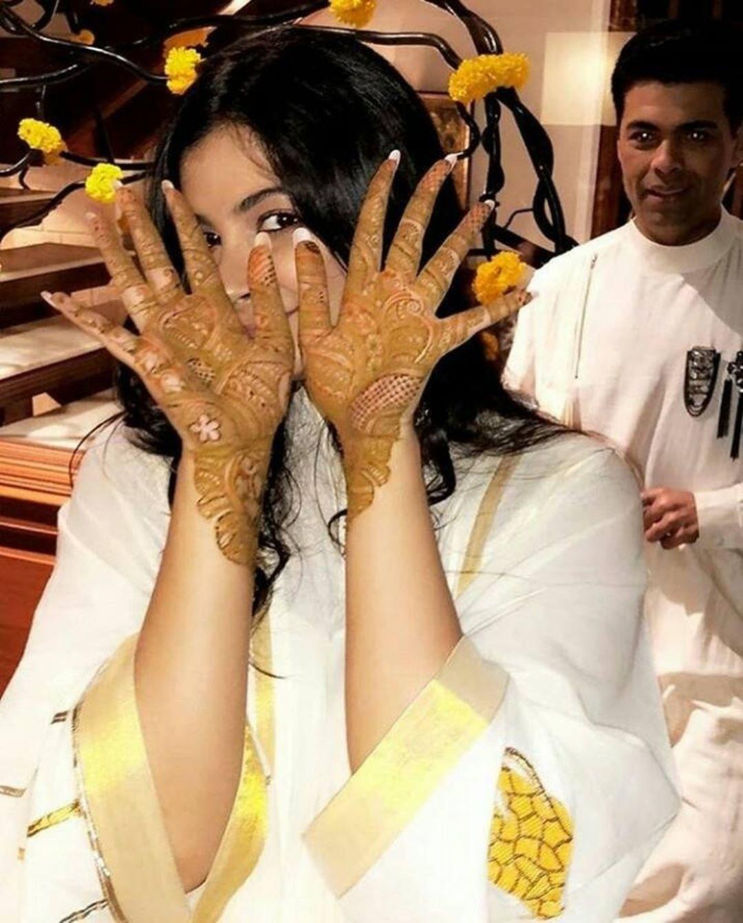 sonam Kapoor, anand Ahuja, anand Ahuja sonam Kapoor mehendi, rhea Kapoor