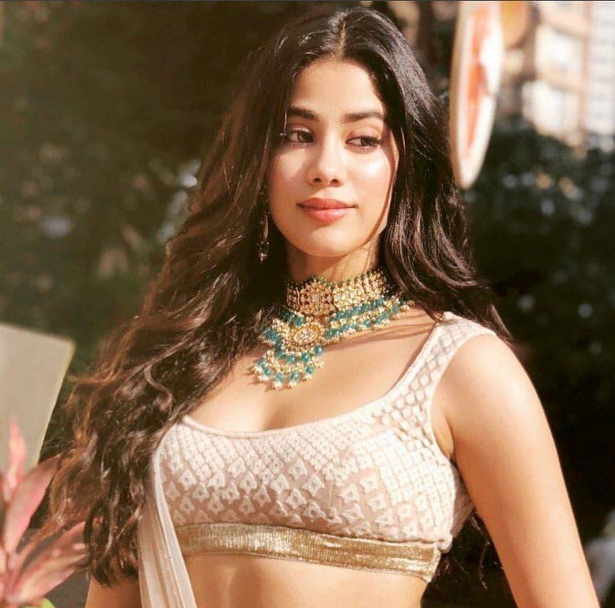 Sonam Kapoor mehendi, Janhvi Kapoor, Tarun Tahiliani, khurana jewellery house