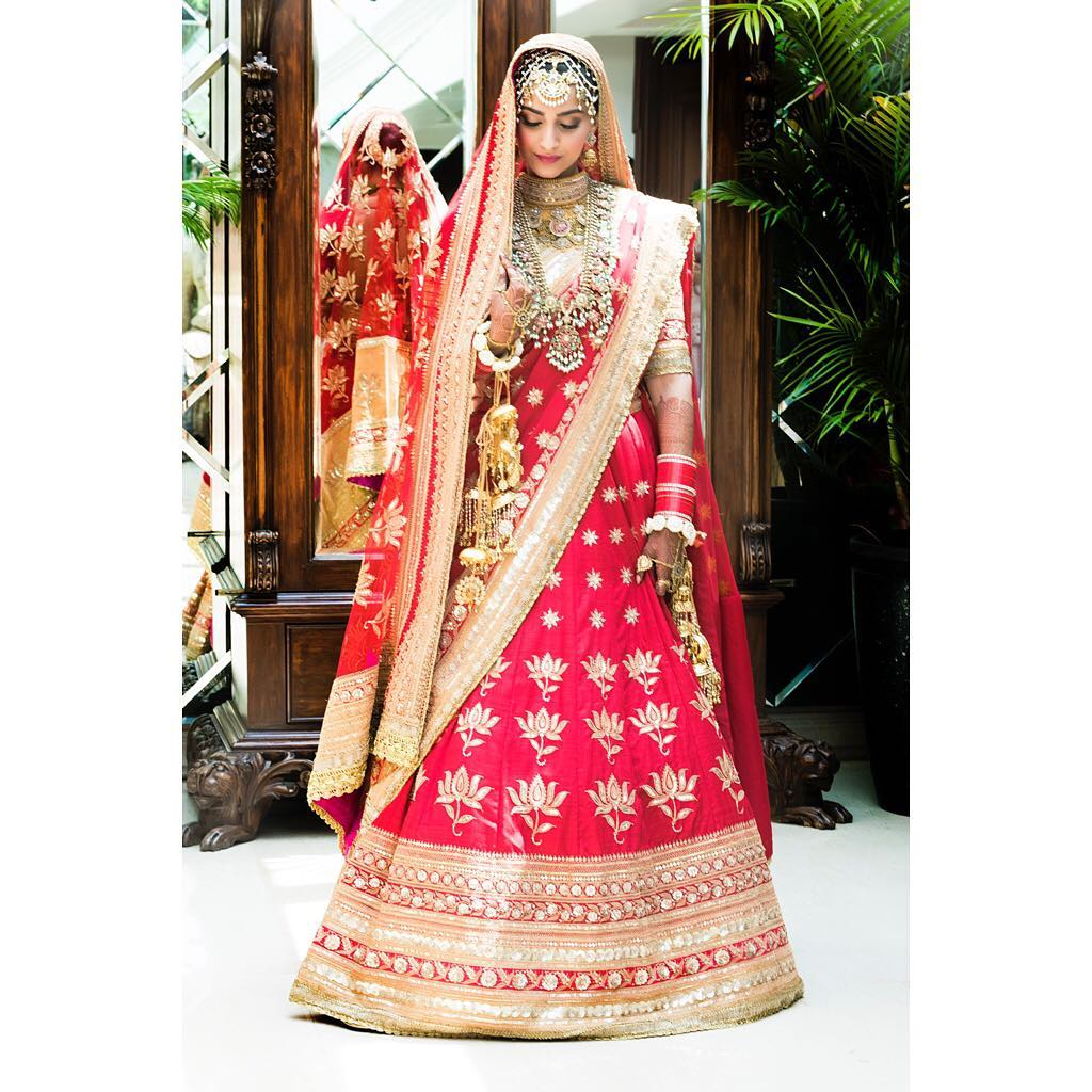 sonam Kapoor, sonam Kapoor bridal look, sonam Kapoor bridal lehenga, sonam Kapoor wedding