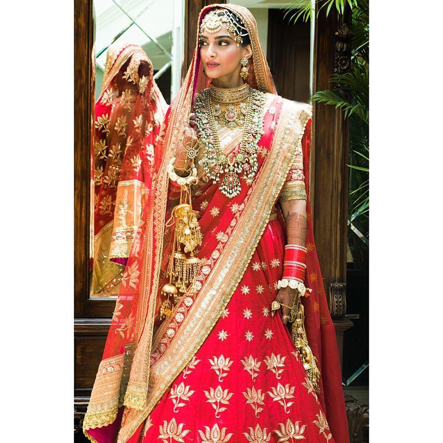sonam Kapoor, sonam Kapoor bridal look, sonam Kapoor bridal makeup, sonam Kapoor wedding
