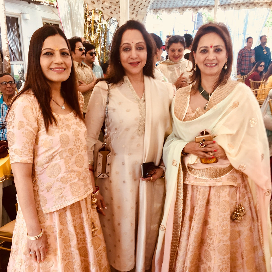 Bollywood actress, Hema Malini, Esha Deol Mother