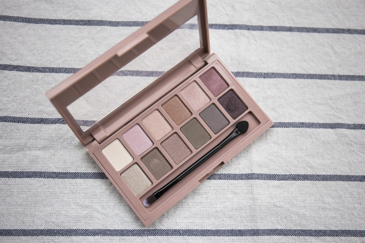 bridal makeup class, niti luthra, eye shadow palette
