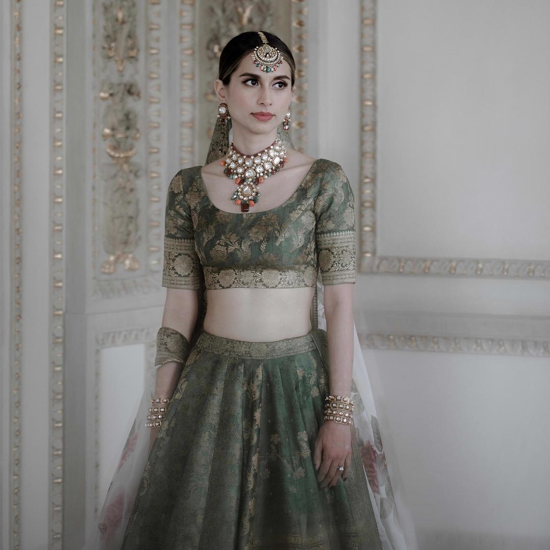 sabyasachi bridal lehenga, bridal lehenga, sabyasachi jewelry