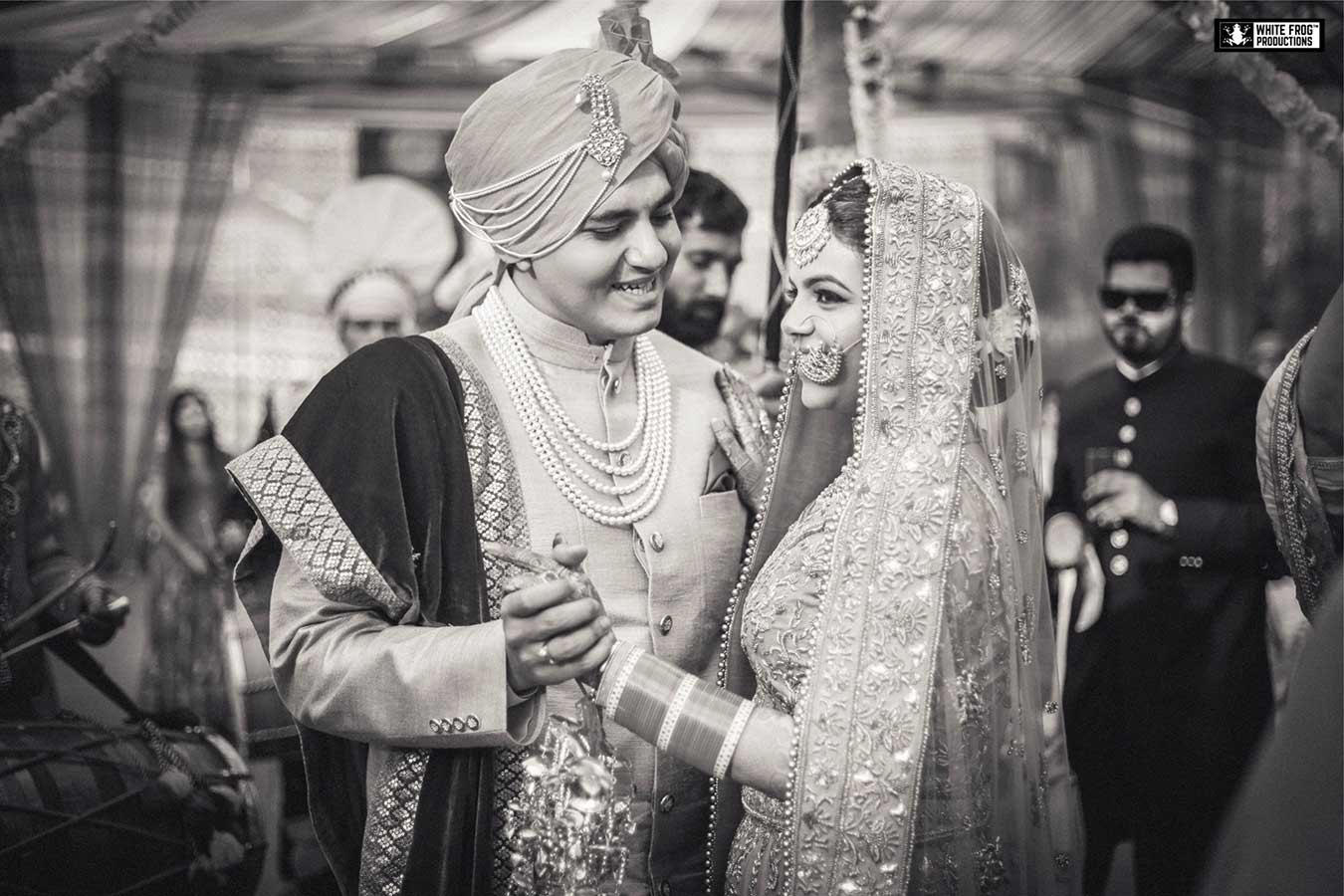 black and white photos, black and white photography, wedding photography, wedding photographer in delhi – white frog productions