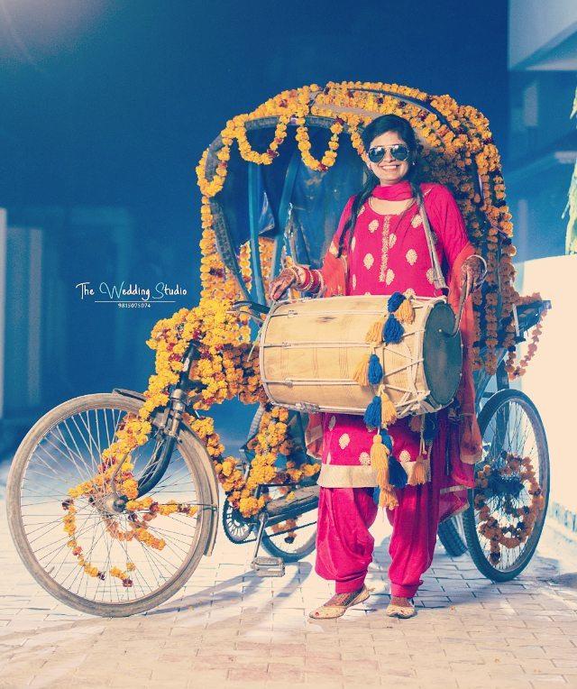 bridal entry, bride entry ideas, bride in rickshaw
