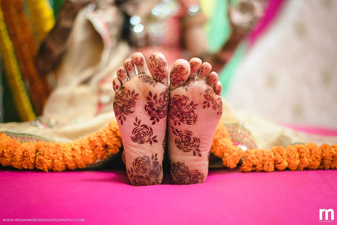 feet mehendi design ideas, latest mehendi designs, bridal mehendi designs, back feet mehendi designs