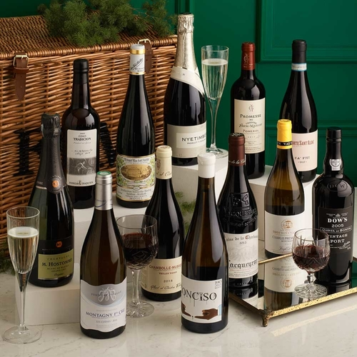 unique wedding favors, wedding favors, destination wedding, wine bottles