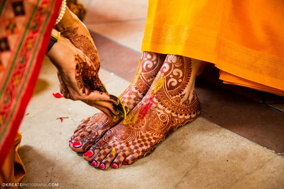 feet mehendi design ideas, latest mehendi designs, bridal mehendi designs, lotus motifs, lotus flower mehendi design ideas