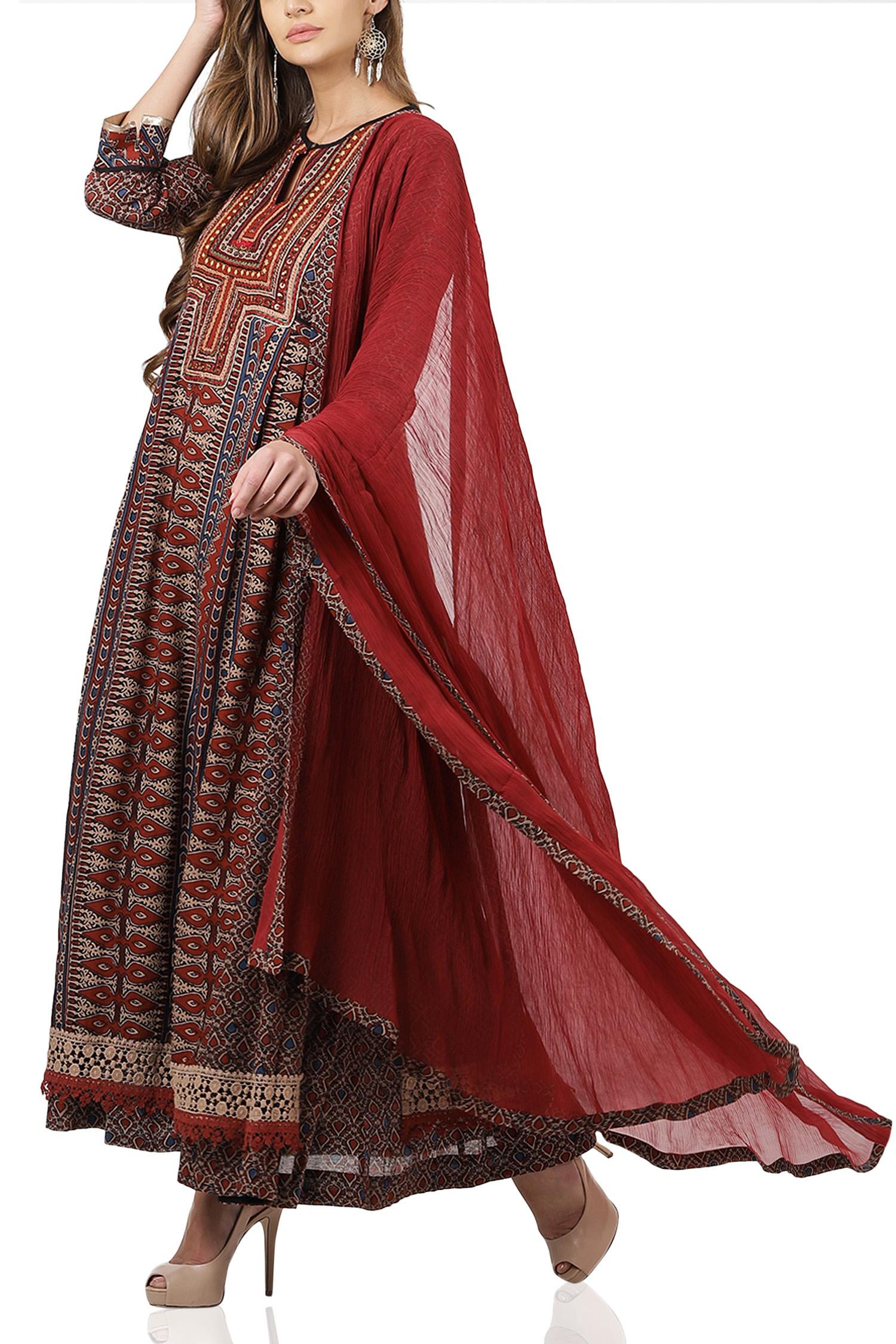 ritu kumar, festive wear, festival outfit ideas, layered suit design and ideas, affordable festive wear, affordable festival outfit ideas