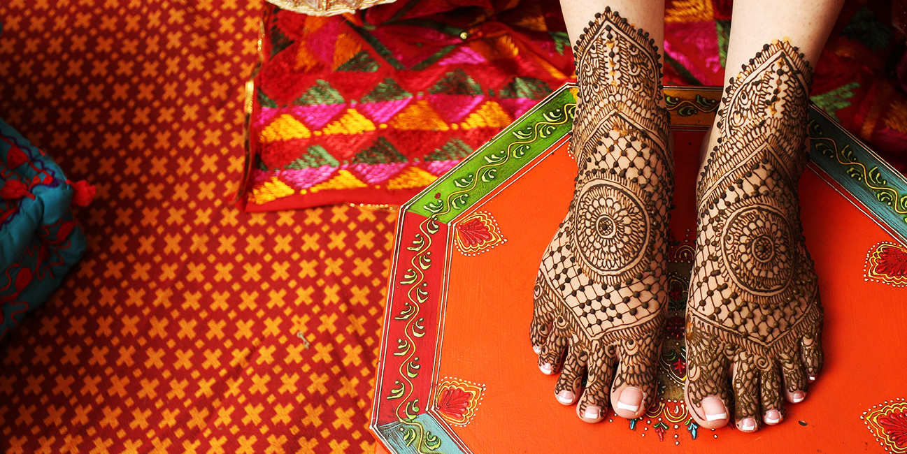 feet mehendi design ideas, latest mehendi designs, bridal mehendi designs, unique bridal mehendi feet designs