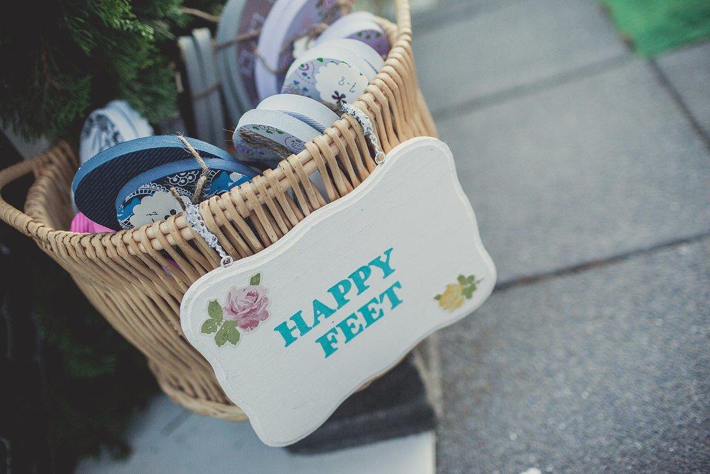 unique wedding favors, wedding favors, destination wedding, flip flops