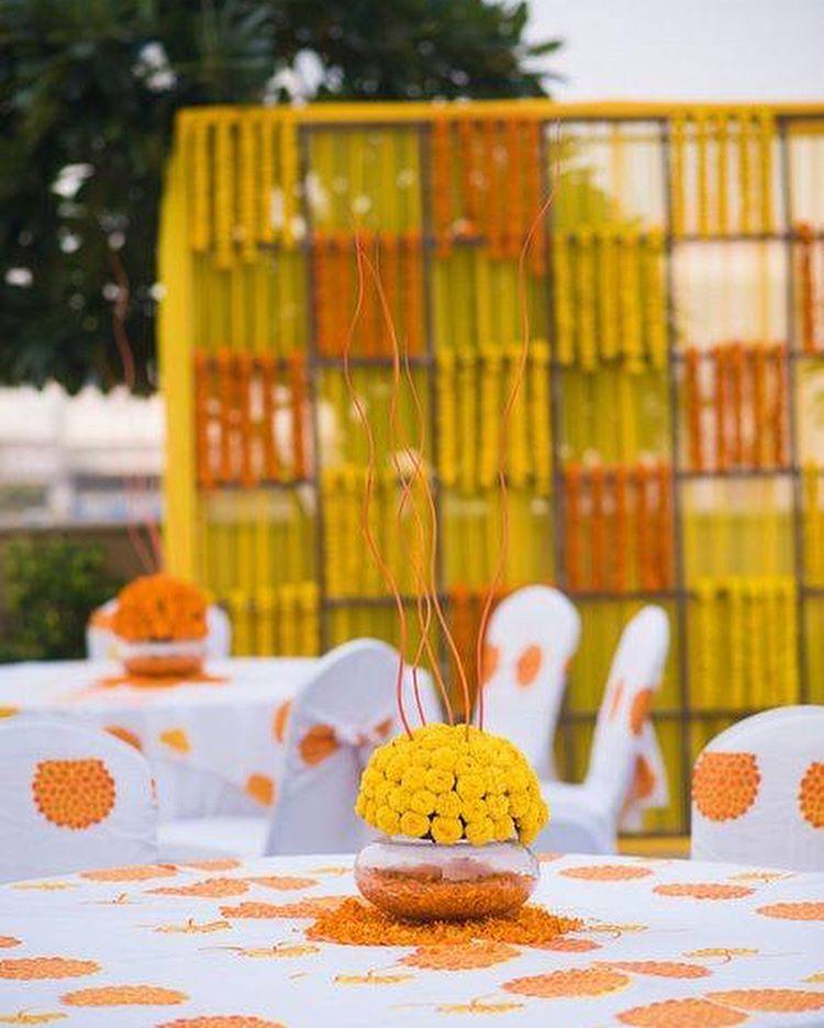 budget wedding decor, budget wedding decor ideas, floral decor ideas, haldi decor ideas, flower decoration, mehendi decor, wedding decor