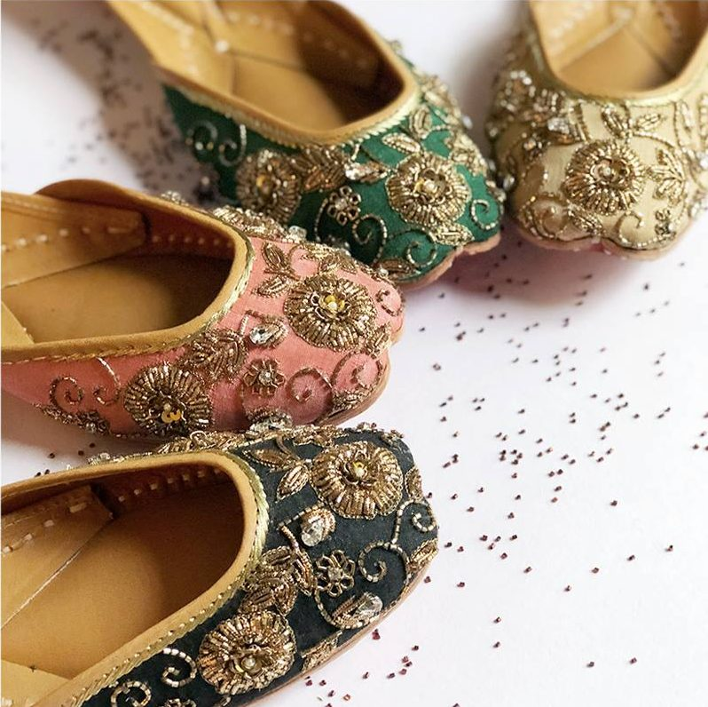 juttis online shopping, bridal wear, bridal footwear, traditional juttis, ethnic juttis, designer juttis, embroidered juttis, hand-crafted juttis, online shopping, buy footwear online, buy juttis online, quirky juttis design