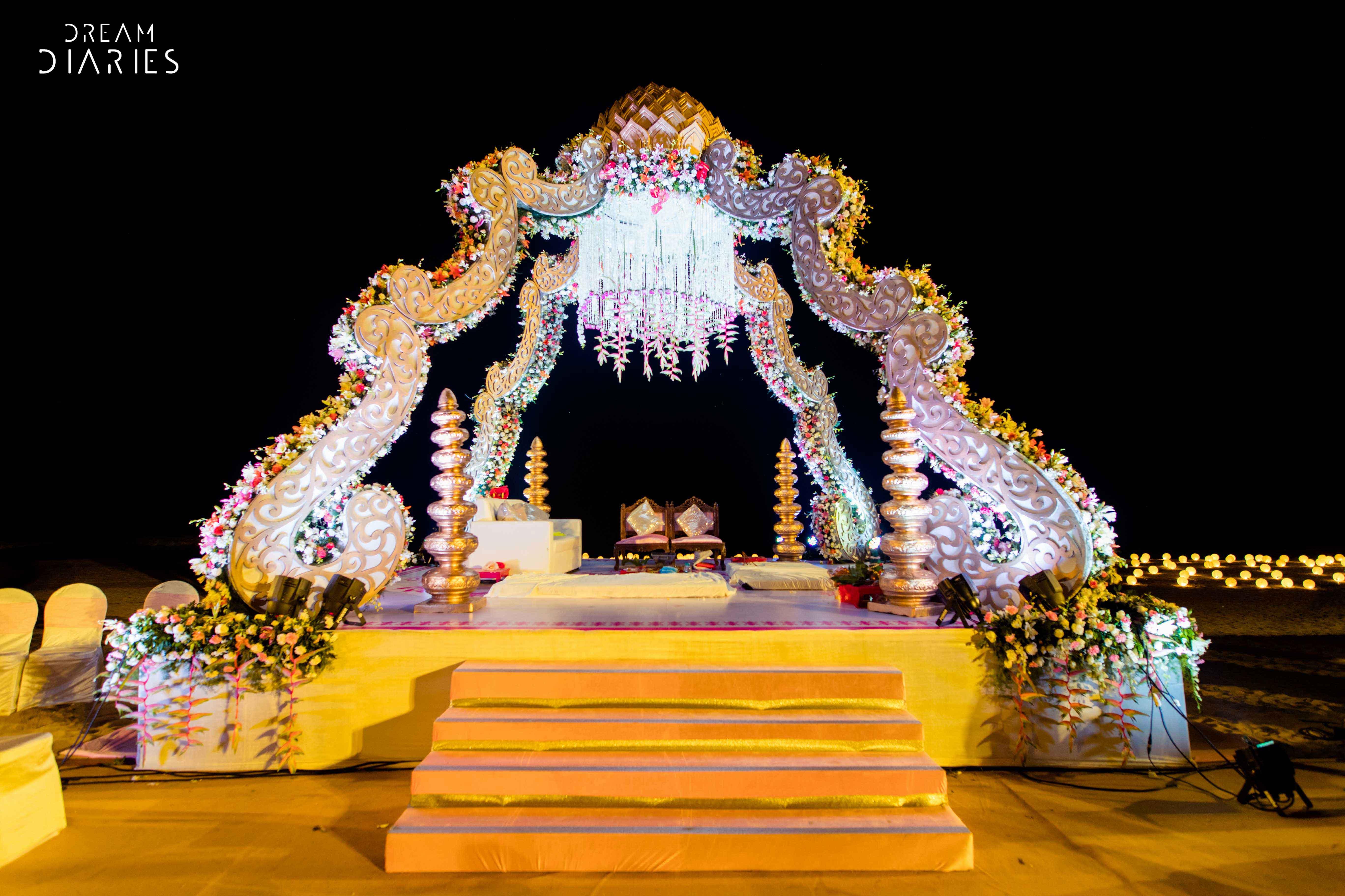 chandelier decor, chandelier decor ideas, unique chandelier decor ideas, candle chandelier decor, chandelier decor for weddings, floral chandelier decor ideas, floral chandelier decor